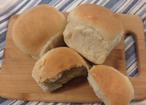 A great way to make basic yet delicious bread rolls. Check out the recipe.